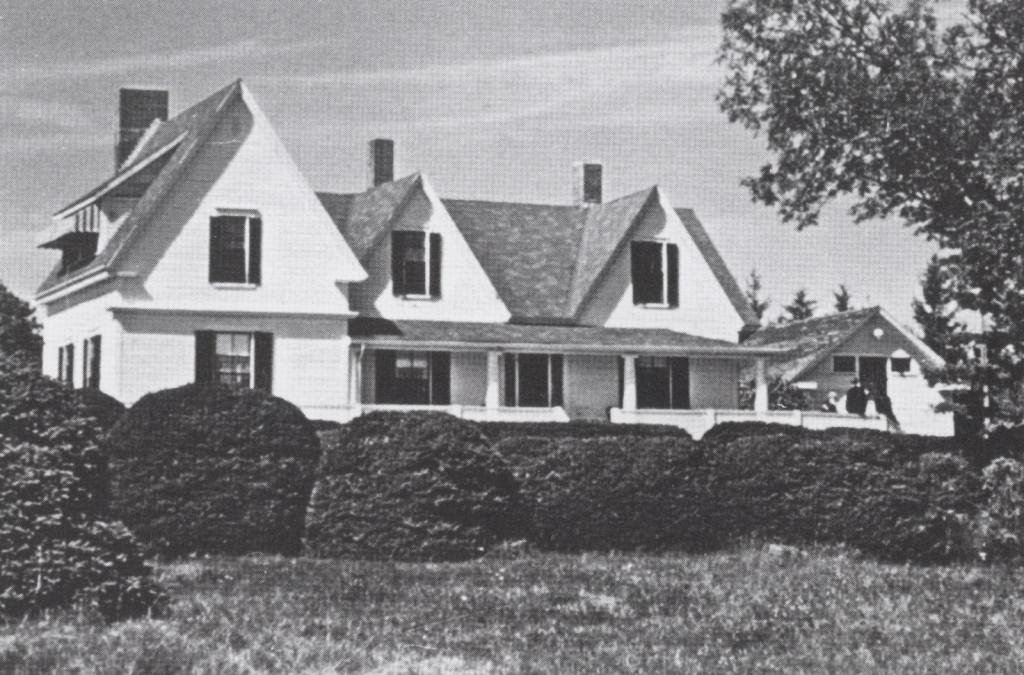 Tara Manor